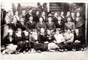 1941 г. Директор педучилища - Бубнов Иван Ильич (2 ряд, третий слева)