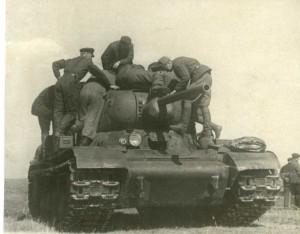 Опытный образец танка ИС № 1 вооруженный 76,2-мм пушкой Ф-34.