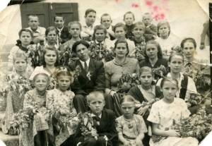 Первые ученики семилетней школы №8 1948 год.