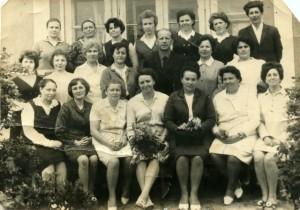 Директор Баранова Надежда Федоровна работала в школе с 1958 по 1964 год. Благодаря ее усилиям было пристроено дополнительное здание с учебными кабинетами и спортивным залом.