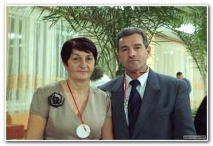 Директор ДЮСШ Л.И. Штоль  с почетным гражданином г.Кыштыма  В.В. Елисеевым
